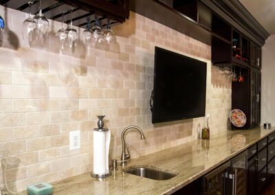 transitional-home-bar-1